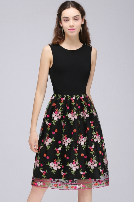 Sleeveless A-Line Tulle Flowers Short Black Homecoming Dresses