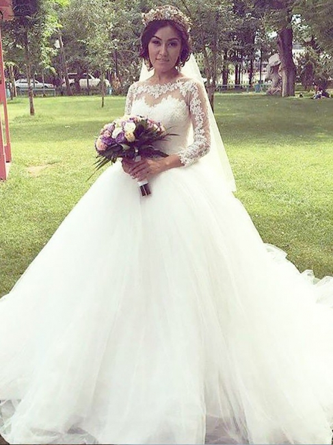 Chic Tulle Bateau White Princess Wedding Dresses Long Sleeves Court Train Appliques Bridal Gowns