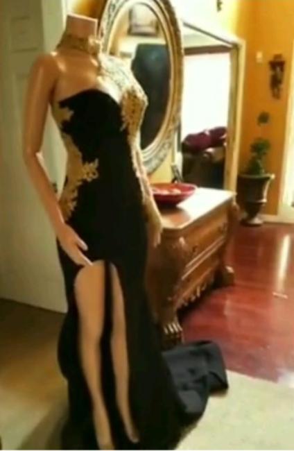 Black Mermaid Front-slit Appliqued Long Sleeve Prom Dresses