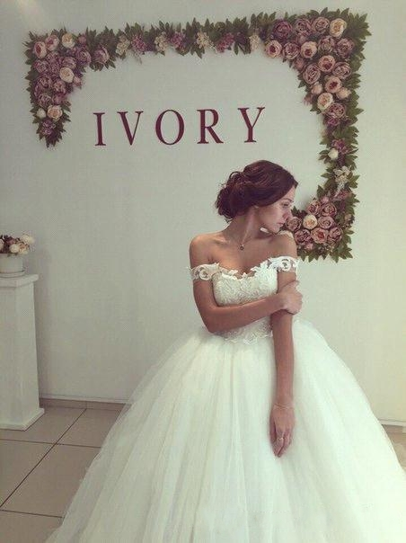 Elegant Off-the-Shoulder Tulle Puffy Wedding Dresses | Bridal Gowns Online