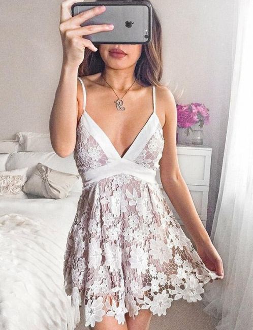 Homecoming New Lace Spaghetti Straps Bowknot Mini Flattering Elegant Prom Dress Online | Suzhoudress UK