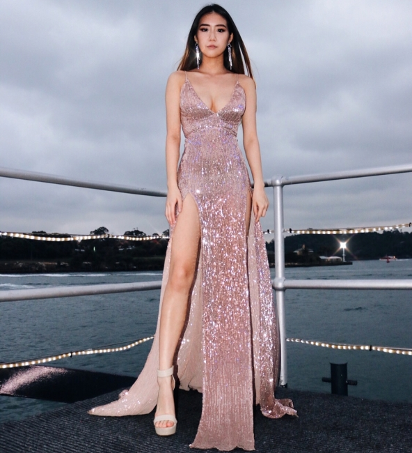 Womens V-Neck Thin Straps Best Fit Column Front Split Online Prom Dress Sale | Suzhoudress UK