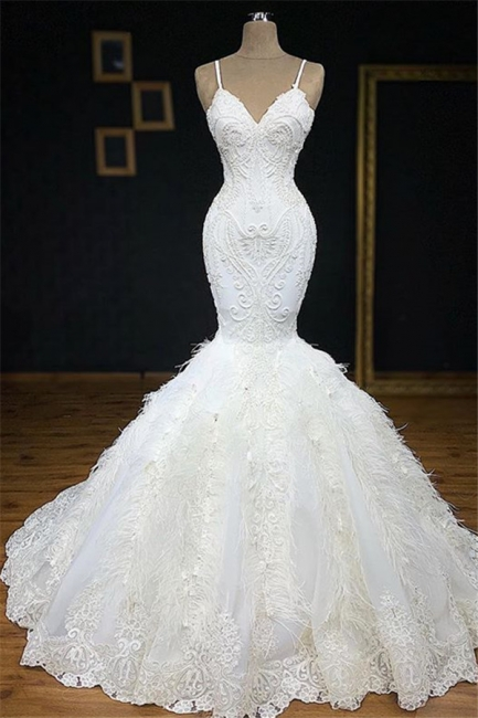 Alluring Spaghetti-Straps Lace Mermaid Wedding Dresses V-Neck Sleeveless Appliques Bridal Gowns with Fur