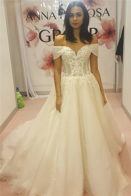 Elegant Off-the-Shoulder Sweetheart Lace Appliques Wedding Dress | Bridal Gowns On Sale
