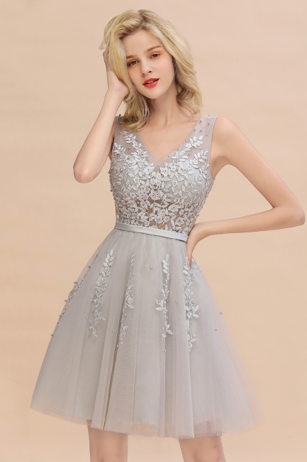 Modest Tulle V-Neck Lace Short Prom Dress Sleeveless Appliques Party Dresses On Sale