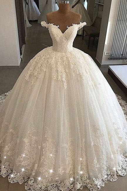 Chic Off-the-shoulder Lace Wedding Dresses Ball Gowns V-Neck Tulle Appliques Bridal Gowns On Sale