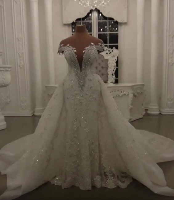 Glamorous Off-the-Shoulder V-Neck Lace Wedding Dresses Detachable Overskirt Sleeveless Bridal Gowns with Open Back