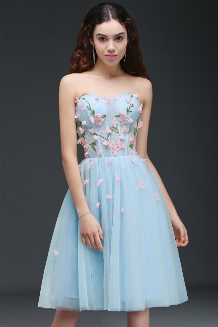 Flowers Short Lace-Up Embroidery Sweetheart Tulle Gorgeous Homecoming Dress