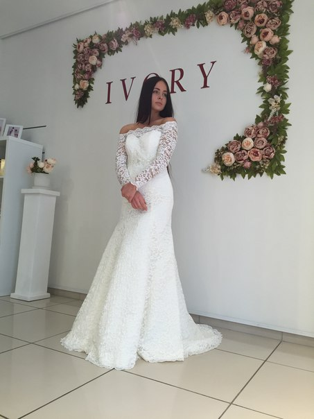 Lace Off the Shoulder Mermaid  Bridal Gowns Sexy Long Sleeve Wedding Dresses