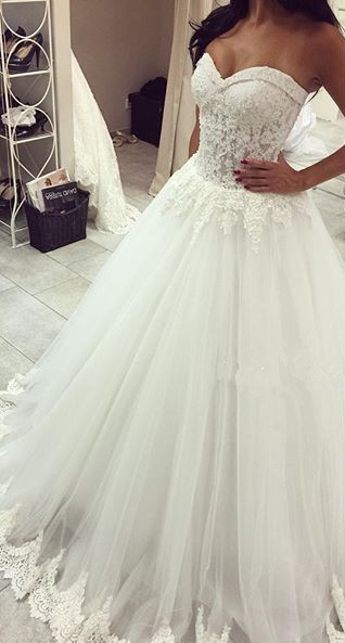 New Arrival Sweetheart Tulle Wedding Dress A-line Lace Applique Princess Dress
