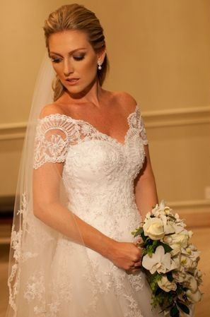 Elegant Short Sleeve White Lace Wedding Dress A-Line Sweep Train  Formal Bridal Gown