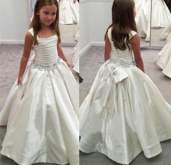 Modest A-Line White Children Dresses Sleeveless Beading Flower Girl Gowns with Bowknot