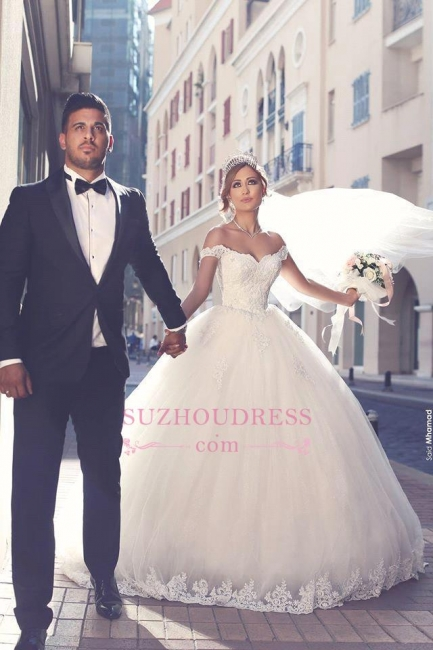 Off-the-shoulder Lace Bridal Ball Gowns Puffy Popular Tulle Appliques  Wedding Dresses