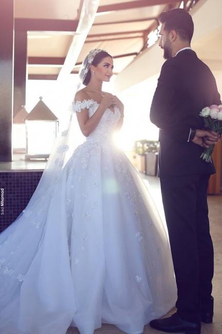 Alluring Open Back Appliques Wedding Dresses Off-the-Shoulder Lace Bridal Gowns Online