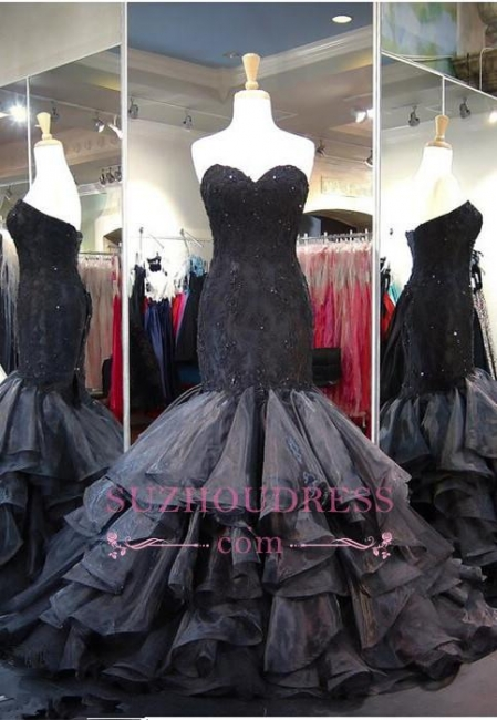 Sweetheart Lace-up Black Prom Dress  Ruffles Sleeveless Sweep-Train Modern Evening Gown