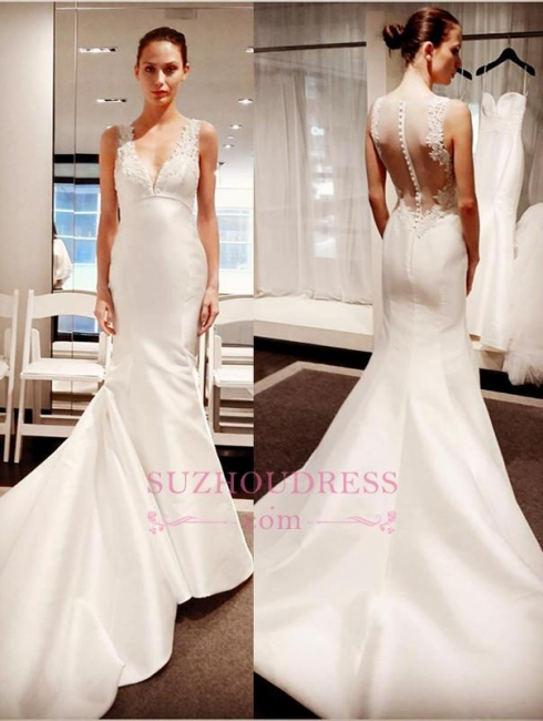 Classic V-Neck Lace Appliques Bridal Gowns  Sleeveless Mermaid Buttons Wedding Dress