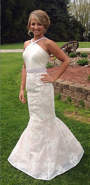 White Sexy Mermaid Lace Long Wedding Dress Halter Ruffles Beading Floor Length Bridal Gown