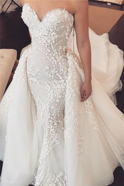 Chic Tulle Chapel Train Wholesale Wedding Dresses Sweetheart Lace Appliques Overskirt Bridal Gowns Online