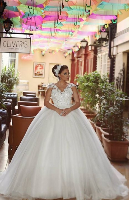 Elegant V-Neck Lace Ball Gown Wedding Dress New Arrival Sweep Train Tulle Princess Dress