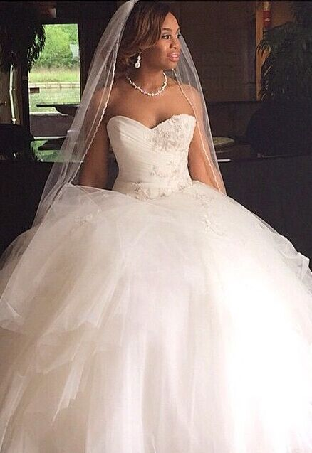Sweetheart Puffy Tulle Princess Bridal Gown Appliques Gorgeous  Wedding Dresses
