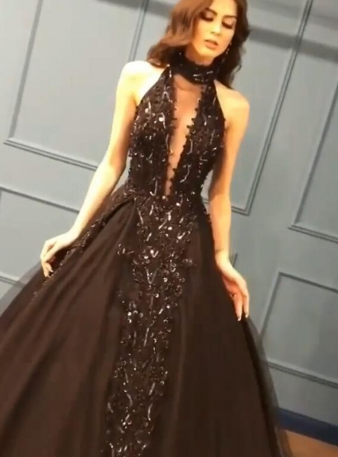 Gorgeous Black Halter Prom Dress Long Evening Gowns With Appliques