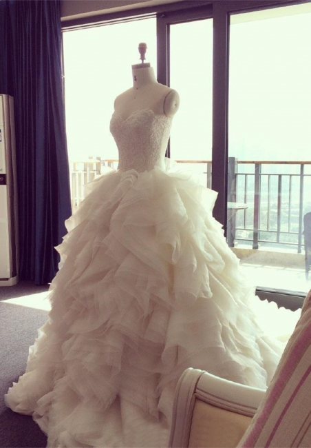 Elegant Sweetheart Ruffles Wedding Dress with Beadings Latest Court Train  Bridal Gown