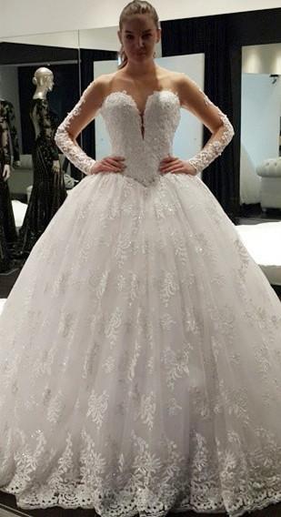Vintage Long Sleeve Ball Gown Princess Dress Lace Crystal Floor Length  Wedding Dress