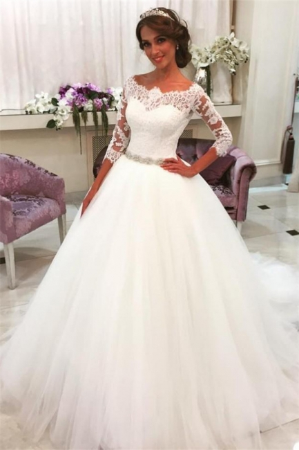 Lace Half Sleeves Ball Gown Wedding Dresses Scalloped Neckline Tulle Skirt Bride Dress with Crystal Belt BA6401