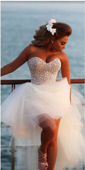 Crystal White Sweetheart Tulle Beach Wediing Dress Cute Ball Gown Latest Summer Bridal Gowns with Beadings