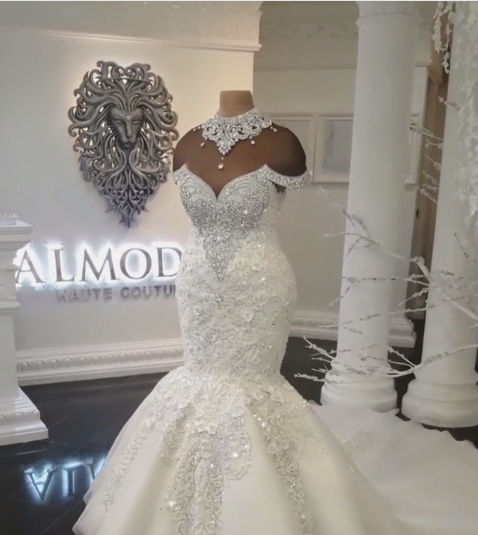Gorgeous Off-the-Shoulder Lace Appliques Wedding Dresses Crystals Mermaid Bridal Gowns Online