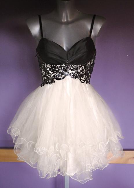 Mini Organza Black and White Homecoming Dress V-neck Sweet Multi-Layered Evening Dresses