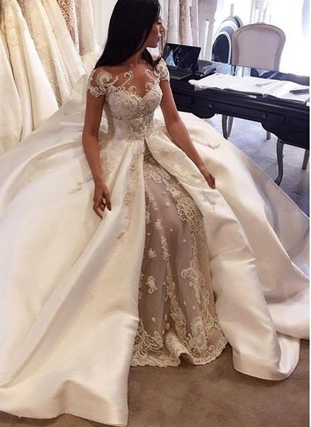 Gorgeous Short Sleeve Lace Wedding Dresses Custom Made  Bridal Gowns with Long Train BA5502