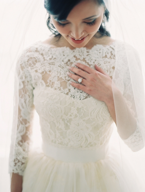 A-line Bateau 3/4 Long Sleeve Tulle Bridal Gown New Arrival Lace Wedding Dress