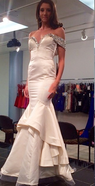 White Sexy Mermaid Off Shoulder Long Evening Dress with Beadings Latest Open Back Satin Dresses