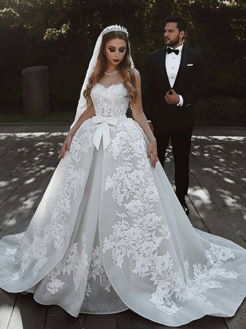 Stunning Sweetheart Sleeveless Lace Wedding Dresses Appliques Over-Skirt Bridal Gowns with Bows