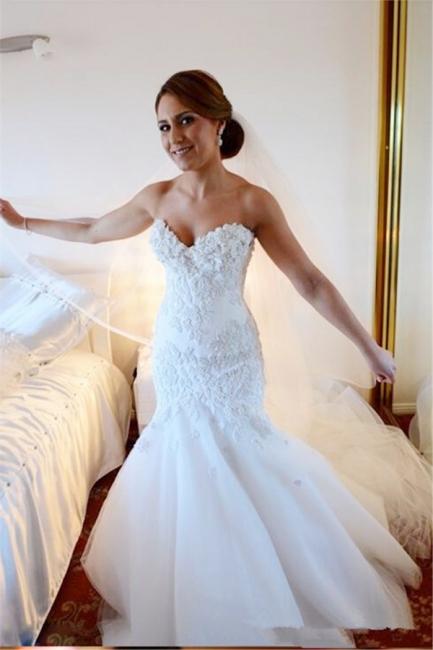 Gorgeous White Lace Church Wedding Dress Sweetheart Long Train Luxurious Bridal Dress
