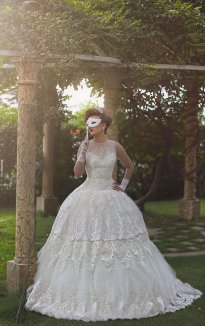 Gorgous Beading Lace Ball Gown  Wedding Dress New Arrival Bridal Gown with Long Train