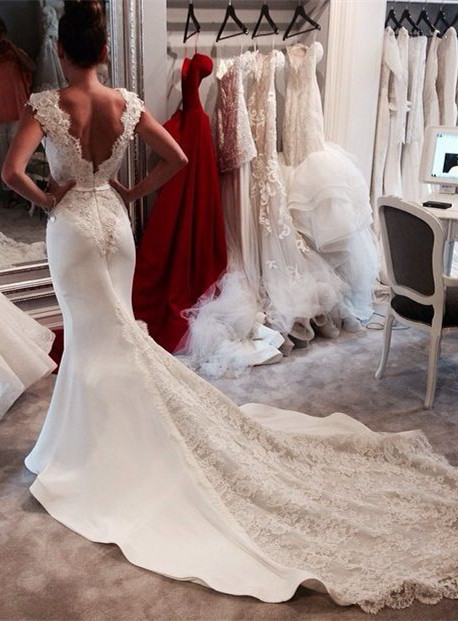 Vintage Mermaid Chapel Train Wedding Dresses Sleeveless V-neck Elegant Bridal Gowns