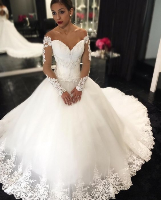 Gorgeous Long-Sleeves Lace Appliques Wedding Dresses Sweetheart Off-the-Shoulder Bridal Gowns Online
