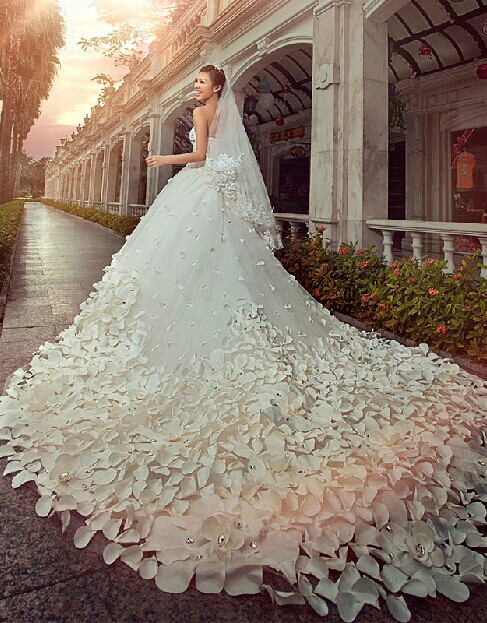 Gorgeous Sweetheart Crystal Wedding Dress Cathedral Train Flowers  Bridal Gown