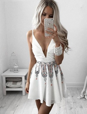 Unique Short Homecoming Flattering A-line Embroidery V-Neck Sleeveless Prom Dress UK on sale_1