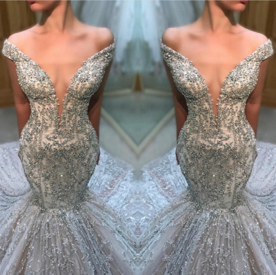 Alluring Off-the-Shoulder Tulle Beaded Mermaid Wedding Dresses Sexy Deep V-Neck Sleeveless Bridal Gowns Online_3