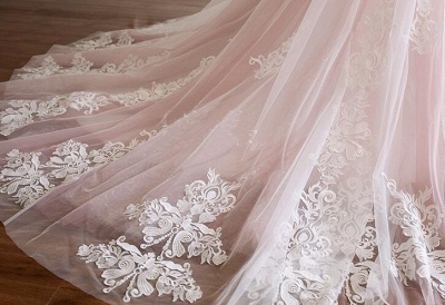 Glamorous Spaghetti-Strap Flower Lace Appliques Prom Dresses | Ball Gown Ruffle Crystal Sleeveless Evening Dresses_4