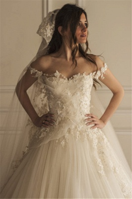 Off-the-shoulder Lace Appliques Beautiful Tulle Wedding Dress_2