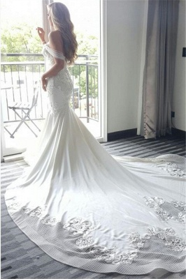 Delicate Lace-Appliques Mermaid Off-the-shoulder Train Wedding Dress_3