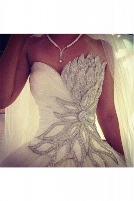 White Crystal Attractive  Bridal Dresses Sexy Luxurious Stunning Ball Gowns_3