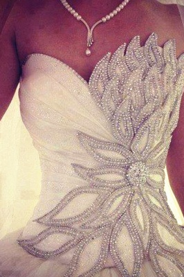 White Crystal Attractive  Bridal Dresses Sexy Luxurious Stunning Ball Gowns_1