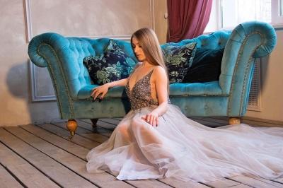 Glamorous Straps Beadings Sleelvess Tulle Prom Dress V-Neck Rhinestones Formal Party Dresses Online_2