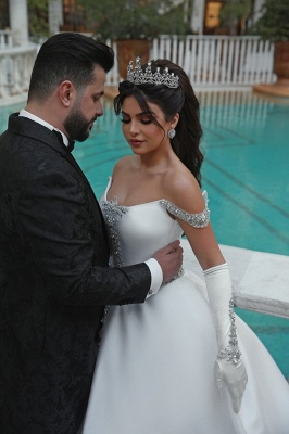 Elegant Ball Gown Off-the-Shoulder Appliques Wedding Dress | Bridal Gowns On Sale_4