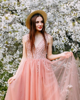 Stunning Pink Tulle V-Neck Beadings Long Prom Dress Rhinestiones Ruffle Party Dresses Online_2